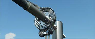 Ein Rollfock für die manuelle Bedienung der Sonnensegelanlage