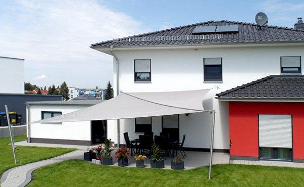 sonnensegel terrasse aufrollbar preise stunning erfahren. Black Bedroom Furniture Sets. Home Design Ideas